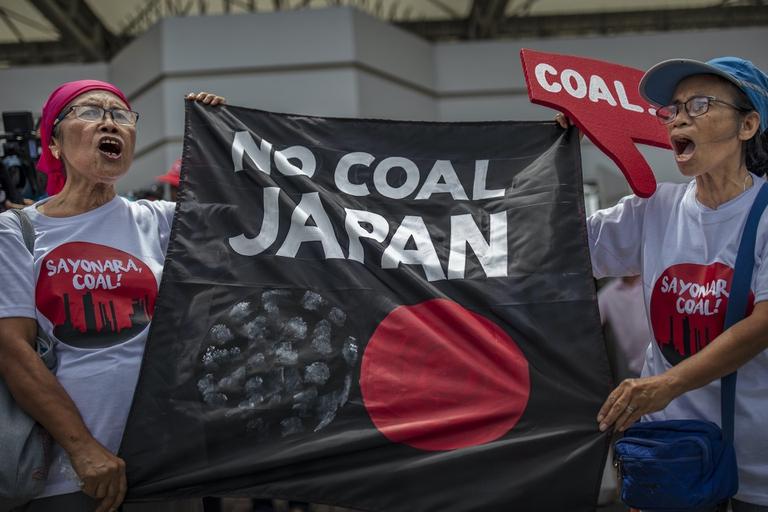 manifestazione contro il carbone in Giappone