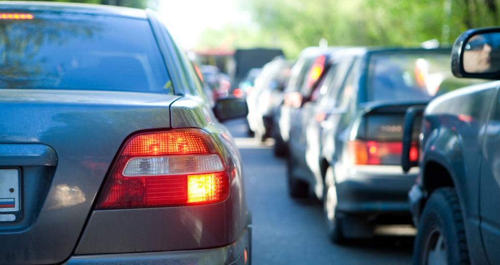 Smog. Gli europarlamentari votano per raddoppiare i limiti delle emissioni delle auto