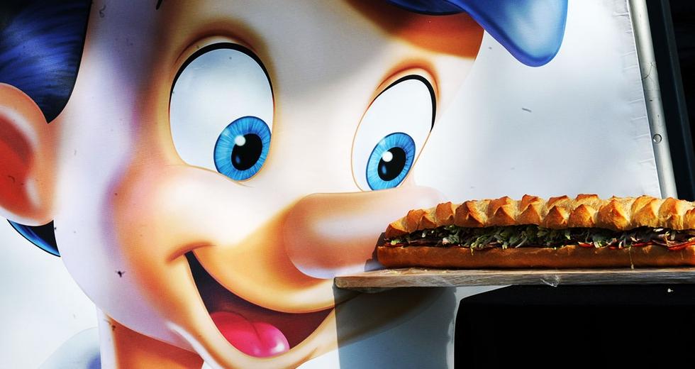 Da Giano bifronte a Pinocchio. Le multinazionali con disturbi di identità