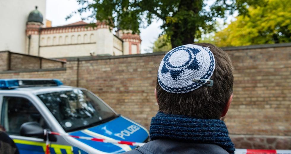 Halle, l'attentato di matrice neonazista poteva essere una strage