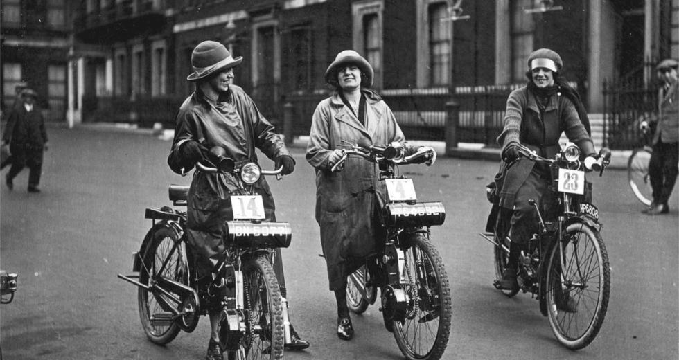 Cinque donne che hanno fatto la storia della bicicletta (e dei diritti)