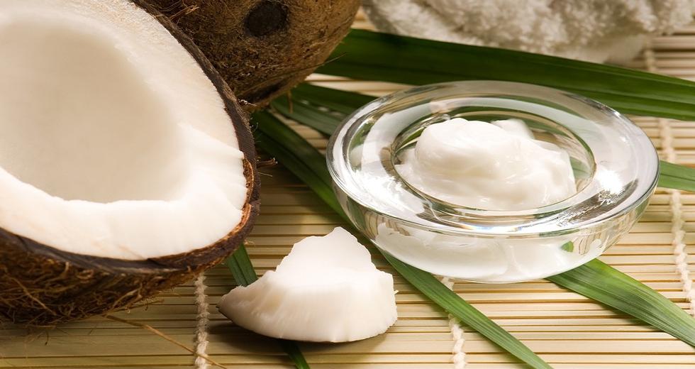 Olio di cocco, come utilizzarlo per la bellezza di pelle e capelli