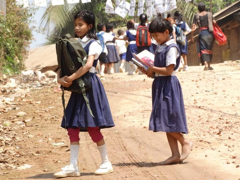 Giovani indigeni del Bangladesh