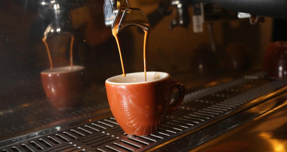 La tazzina di caffè ristretta dai cambiamenti climatici